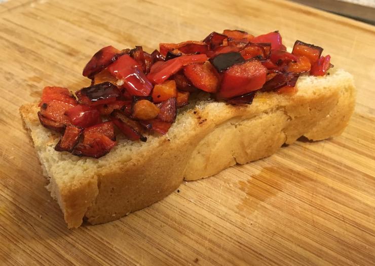 bruschetta ai peperoni recipe featured